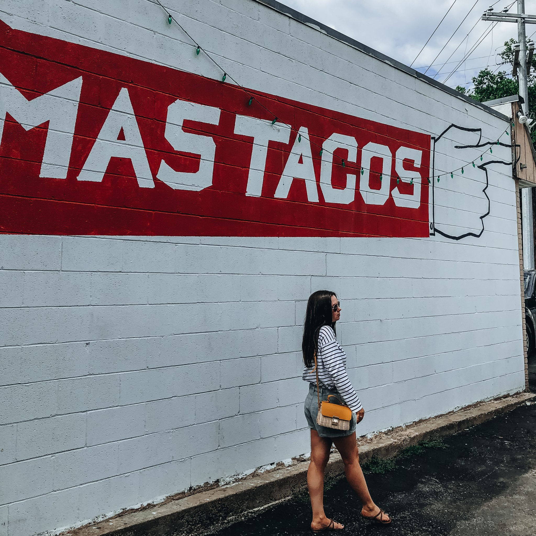 mas tacos nashville sign